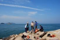 Setup peralatan untuk membuat cerapan Titik Kawal di Pulau Agas