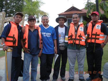 Di Jeti Lumut sebelum bertolak ke Pulau Agas dan Tukun Perak.
