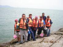 Menunggu bot di Pulau Tukun Perak untuk ke Pulau Agas.
