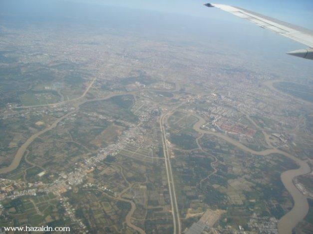 landing to ho chi minh city-dengan pesawat mas mh 750-3
