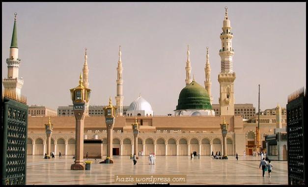 di sini terletak makam nabi muhammad s.w.t.jpg 2