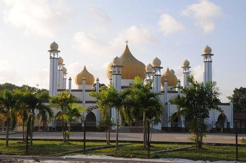 800px-MasjidBandarRompin