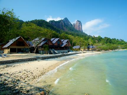 tunamaya-beach-and-spa-resort-tioman-island_021120120311036093