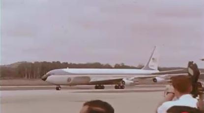 18. 1966 – Subang Airport. Kapal terbang yang membawa Presiden Lyndon B Johnson.