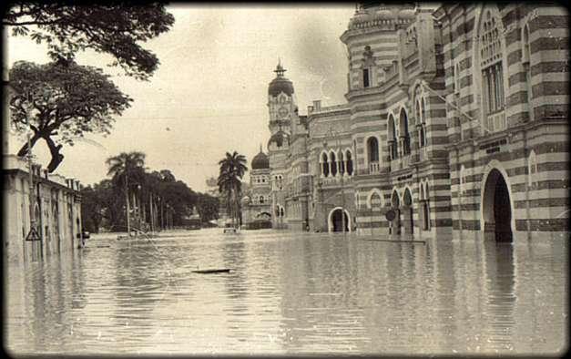 22. 1971 – Bangunan Abdul Samad; sewaktu banjir kilat