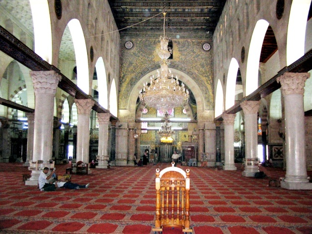 Al-Aqsa-Mosque-from-the-inside (1)